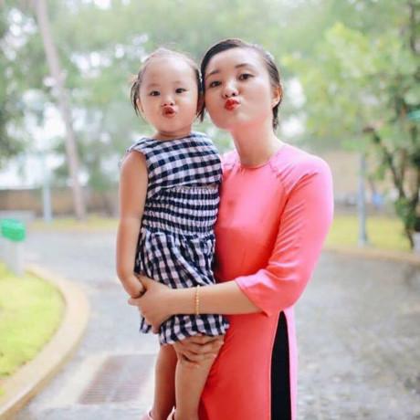 Đối với chị Minh Hưng, đánh đổi cho sự hi sinh của bản thân là nhìn thấy chồng thành công trong công việc.